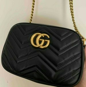 🎆🎆🎆🎆marmont Black leather cross body 🎇 Gucci